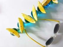 Tiros dos limões dos óculos de sol da bebida da bebida Fotografia de Stock Royalty Free