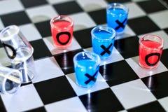 Tiros y tabla del ajedrez Imagen de archivo libre de regalías