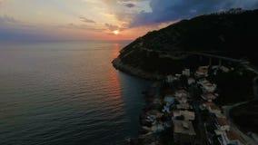 Tiroteo del aire de la bahía de la puesta del sol metrajes