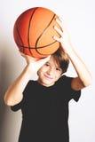 Tiroteo del baloncesto Imagen de archivo libre de regalías