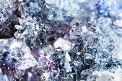 Tiroteo macro de la piedra preciosa natural Apophyllite mineral crudo Imágenes de archivo libres de regalías