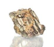 Tiroteo macro del espécimen mineral natural de la roca - pirite, Imagenes de archivo