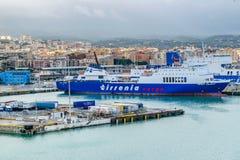 Tirrenia Hartmut Puschmann Ro-Ro Cargo och passagerareskepp på porten av Civitavecchia, Rome royaltyfria foton