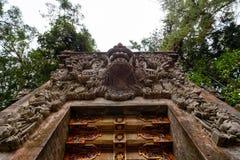 Tirta Empul ` s świątynna brama obraz royalty free