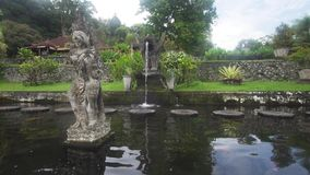 Tirta Gangga na Bali hinduska świątynia zdjęcie wideo