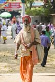 TIRUVANNAMALI,泰米尔纳德邦,印度- 3月大约, 2018年 在聚会所Ramana Maharshi的画象Sadhu Sadhu是一个圣洁者,有cho 库存图片