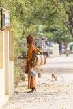 TIRUVANNAMALI,泰米尔纳德邦,印度- 3月大约, 2018年 街道摄影 在聚会所Ramana Maharshi的Sadhu Sadhu是一个圣洁者, w 库存照片