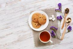 Tisana e cookies Imagens de Stock