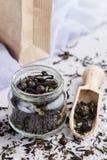 Tisana saudável com corintos pretos imagens de stock