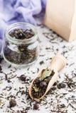 Tisana saudável com corintos pretos imagem de stock