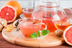 Tisane de pamplemousse avec du gingembre et le miel Photo stock