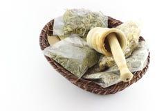 Tisane e battitore secchi imballati dell'aglio Fotografie Stock Libere da Diritti
