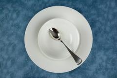 Tischbesteck und Tonware Stockfotos