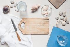 Tischbesteckeinstellung in der Marineart Stockfotografie