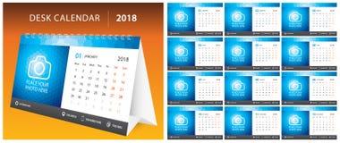 2018 TISCHKALENDER, Wochenanfang am Montag Satz von 12 Monaten, Unternehmenssymbolplanerschablone, sortieren bedruckbaren Kalende Stockfoto