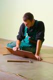 Tischler der jungen Arbeitskraft Stockfotografie