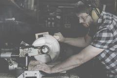 Tischler-Handwerker-Lumber Timber Woodwork-Konzept stockfotografie
