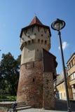 Tischler ragen in die alte Stadtmitte von Sibiu hoch Stockfoto