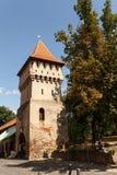Tischler ragen in die alte Stadtmitte von Sibiu hoch Lizenzfreie Stockfotos