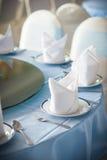Tischschmuckservietten-Weißteller Lizenzfreies Stockfoto