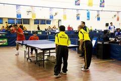 Tischtennis der Männer für untaugliche Personen Stockbild