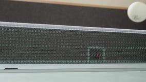 Tischtennis mit Ball-Netz und Tabelle stock footage