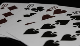 Tisonnier de casino de dix jouant des cartes Photo stock