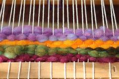 Tissage de métier à tisser de laine Images stock