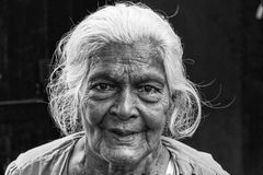 Tissamaharama, Sri Lanka 19 de febrero de 2017: Abuela Imágenes de archivo libres de regalías