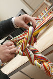 Tisserand et fibres colorées Photos libres de droits