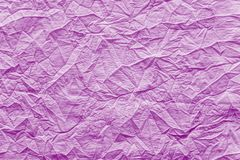 Tissu chiffonné de texture de couleur rose lumineuse Photo libre de droits