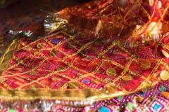 Tissu décoratif utilisé pendant les cérémonies indoues photographie stock libre de droits