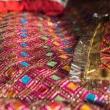 Tissu décoratif utilisé pendant les cérémonies indoues images libres de droits