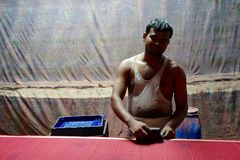 Tissu de Sari d'impression de bloc à Jaipur, Inde Images stock