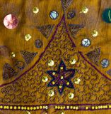 Tissu de sari de vintage avec des embellissements photos stock
