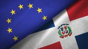 Tissu de textile de drapeaux d'Union européenne et de la République Dominicaine deux, texture de tissu illustration libre de droits