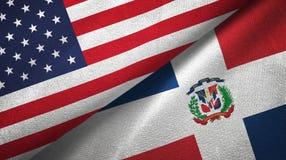 Tissu de textile de drapeaux des Etats-Unis et de la République Dominicaine deux, texture de tissu illustration de vecteur
