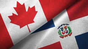 Tissu de textile de drapeaux du Canada et de la République Dominicaine deux, texture de tissu illustration stock