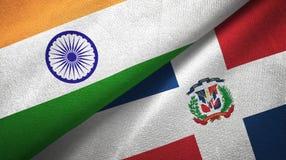 Tissu de textile de drapeaux de l'Inde et de la République Dominicaine deux, texture de tissu illustration de vecteur