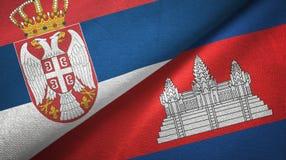 Tissu de textile de drapeaux de la Serbie et du Cambodge deux, texture de tissu illustration libre de droits
