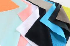 Tissu en soie coloré Images libres de droits