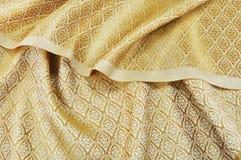Tissu en soie thaïlandais chiffonné Image libre de droits