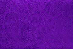 Tissu gris ou argenté de velours avec un modèle floral élégant de vintage ou une texture de luxe images stock