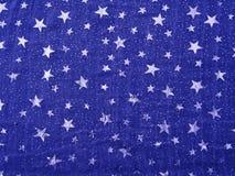 Tissu léger de vintage, bleu-foncé avec les étoiles argentées brillantes Image libre de droits