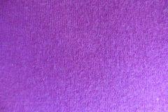 Tissu tricoté par violette rosâtre mince Photos libres de droits