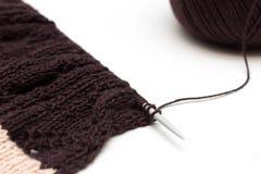 Tissu tricoté sur le fond neutre Photos libres de droits