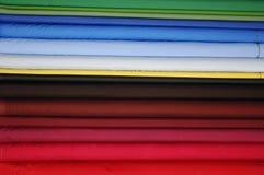 Tissus colorés de satin images libres de droits