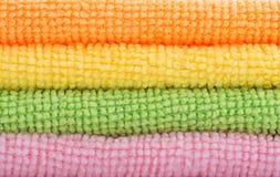 Tissus colorés de lavage Photographie stock