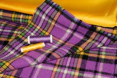Tissus multicolores pour la couture Photo stock