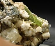Titanite Sphene с образцом апатита Стоковая Фотография